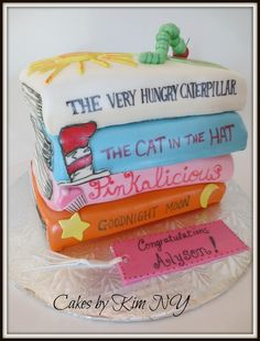 The perfect cake for kids who love cakes Book Birthday Parties, 1st Birthday Girls, Birthday Cakes, Library Cake, Book Cakes, Cake Decorating Tips, Pretty Cakes, Cake Creations, Celebration Cakes