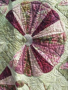 Beautiful quilting. 2013 Sister's Quilt Show.