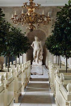 Chateau de Villette- The Splendor of French Decor Versailles, Paris Opera House, Beach Wedding Favors, Wedding Souvenir, Diy Wedding, French Chateau, French Wedding, French Decor, Winter Garden