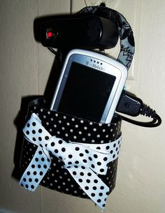DIY cell phone charger case...cute!