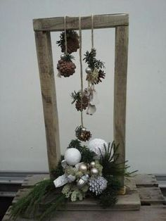 You only need a few glasses, a little artificial snow … – diy home crafts Outdoor Christmas, Christmas Art, Christmas Projects, Vintage Christmas, Christmas Holidays, Christmas Wreaths, Christmas Ornaments, Art Floral Noel, Wooden Christmas Decorations