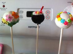 Hawaii cake pops or spring cake pops
