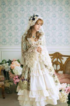 yurisa_chan #LolitaFashion #Lolita #Fashion #LolitaFountain