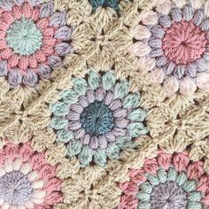 31 Ideas Crochet Granny Square Sunburst Baby Blankets For 2019 Crochet Squares, Crochet Granny, Baby Blanket Crochet, Crochet Shawl, Crochet Yarn, Granny Squares, Irish Crochet, Manta Crochet, Crochet Gloves