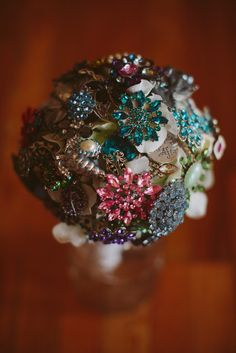 How to make your own brooch bouquet, brooch bouquet DIY...it's an interesting idea, but I doubt I'd have one...