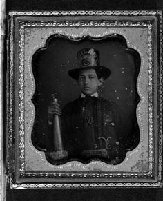 Firefighter - wearing parade hat and holding speaker trumpet - Vigilant Fire Company, Baltimore - 1840 Antique Photos, Vintage Pictures, Old Pictures, Old Photos, Firefighter Equipment, Volunteer Fire Department, Daguerreotype, Vintage Frames, Vintage Photography