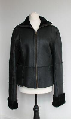 Leather Coat Sheepskin jacket Black by VillageChic on Etsy Chunky Knit Scarves, Sheepskin Jacket, Shearling Coat, Long Scarf, Cowl, Winter Fashion, Leather Jacket, Knitting, Stylish