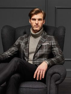 Tagliatore's fall-winter 2019 men's collection is a must-see for those looking to add a touch of tradition to their wardrobe. Stay warm in style with this… Men's Fashion, Lakme Fashion Week, Mens Fashion Suits, Fashion 2020, Mens Suits, Fashion Trends, Preppy Winter, Fall Winter, Winter Wear