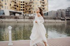 Brautkleid   @elas_braeuteBlumen   @sophiakernfloraldesignModel   @brinsalexanderLocation Zollhafen Top Wedding Trends, Wedding Ideas, Photographers, Wedding Inspiration, White Dress, Wedding Photography, Weddings, Group, Bridal
