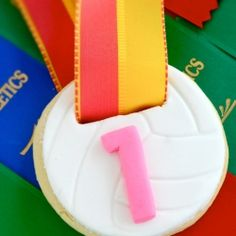Not every kid wins a trophy for the Grand Final. Create your own personalized medal for all the kids on your team. How-to pics included Sugar Cookie Recipe Easy, Easy Sugar Cookies, Cute Cookies, Cookie Recipes, Cookie Ideas, Volleyball Cookies, Volleyball Ideas, Gymnastics Party, Cookie Crush