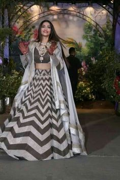 Glitz, Glamour & Gorgeousness: Bollywood Brought Its A-Game to Sonam & Anand's Reception. Party Wear Indian Dresses, Designer Party Wear Dresses, Indian Gowns Dresses, Dress Indian Style, Indian Fashion Dresses, Indian Wedding Outfits, Indian Designer Outfits, Bridal Outfits, Bridal Dresses