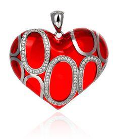 Dress Red Day = 29 september Extra aandacht voor Vrouwen hart- en vaatziekte.  Ben je er al op voorbereid? Check de mooie rode sieraden van KAGI om je statement te laten schitteren.  SCARLET DUET (medium pendant) SCDP-M  Materials: Red transparent resin. Clear cubic zirconia. . Rhodium plated Base metal Size: 39mm x 35mm