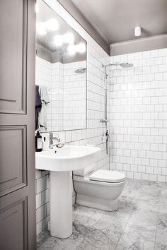 Geef het plafond in de badkamer een andere kleur! - Roomed