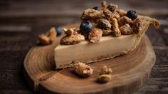 Tarte au beurre d'érable | Recettes | Signé M Easy Desserts, Delicious Desserts, Yummy Food, Pie Dessert, Dessert Recipes, Kinds Of Pie, Canadian Food, Butter Pie, Food Obsession