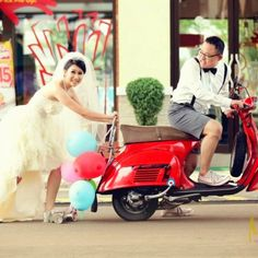 Vespa wedding ;)