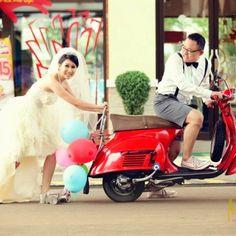 Vespa wedding ;)
