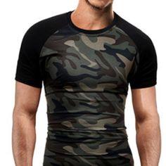 Fantástica #camiseta #hombre de camuflaje militar. Encuéntrala en nuestra tienda! http://www.camuflaje.org