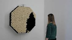 Artist Daniel Rozin has designed a surprising mirror-like device from. Dubbed the PomPom Mirror, it relies on motion sensors and 928 faux fur pom Interactive Mirror, Interactive Display, Interactive Installation, Interactive Design, Installation Art, Colossal Art, Faux Fur Pom Pom, Science Art, Creative Inspiration