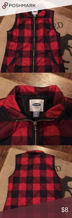 Old navy plaid vest… Excellent condition! Smoke free home… Ship same day! Bundle and save :-) happy poshing! 😊 Old Navy Jackets & Coats Vests