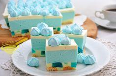 Smurfette - cake without baking Fudge Recipes, Cheesecake Recipes, Cupcake Recipes, Chocolate Mousse Cups, Chocolate Meringue, Butter Pecan Fudge Recipe, Pudding Cake, Polish Recipes, Food Cakes