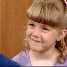 Jodie Sweetin as Stephanie Tanner in her first and last episodes. Stephanie Tanner Full House, Michelle Tanner, Full House Cast, Aunt Becky, Uncle Jesse, Lori Loughlin, Fuller House, Olsen Twins, Last Episode