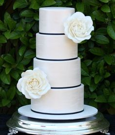 Blue and white wedding cake, black, white and gold instead