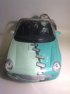Another view of Frankie Stein's Monster High car