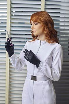 Female Surgeon, Beautiful Nurse, Scrubs Uniform, Gloves Fashion, Uniform Dress, Medical Scrubs, Female Doctor, Professional Women, Leather Gloves