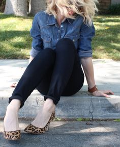 10 Timeless Looks That Will Never Go out of Style- black jeans, denim top, leopard print shoes