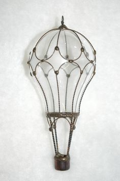 Light bulb hot air balloon    Designs by Steve and Susie