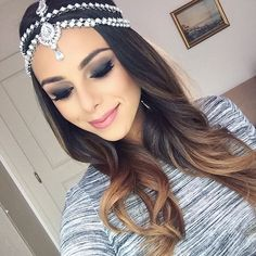 Swooning over this headpiece today Filmed a new video showing you a super easy last minute costume idea / deep smokey makeup look. It will hopefully be up tomorrow! Hope you guys are all doing well Easy Last Minute Costumes, Annie Jaffrey, Swooning Over, Queen Crown, Beauty Hacks, Beauty Tips, Headpiece, Super Easy, Makeup Looks