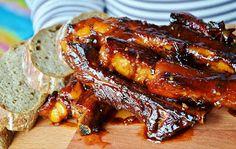 Nuselská kuchta uvádí ...: VEPŘOVÁ ŽEBRA... BŮH VĚDĚL, CO DĚLÁ Ribs On Grill, Food 52, Chicken Wings, Stew, Grilling, Food And Drink, Treats, Baking, Health