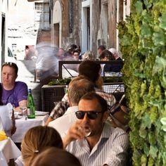 La Taverna Del Ghetto Kosher Wayfarer, Ray Bans, Sunglasses, Couple Photos, Couples, Style, Fashion, Couple Pics, Moda