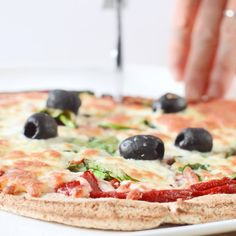 COCONUT FLOUR PIZZA CRUST Keto Vegan Coconut Flour Pizza Crust is an easy 4 ingredients crispy with no cheese.Keto Vegan Coconut Flour Pizza Crust is an easy 4 ingredients crispy with no cheese. Vegan Keto Recipes, Low Carb Recipes, Cooking Recipes, Healthy Recipes, Coconut Flour Recipes Low Carb, Pizza Recipes, Dieta Vegan, Pain Keto, Comida Keto