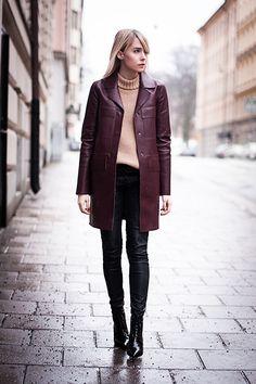 Maroon leather coat. Via la cool et chic
