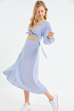 ab386053065f22 UO Striped Linen Tie-Front Cutout Midi Dress