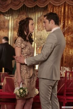 "Ed Westwick as Chuck Bass and Leighton Meester as Blair Waldorf ""The Unblairable… – fashion quotes style Gossip Girl Blair, Gossip Girls, Mode Gossip Girl, Gossip Girl Chuck, Gossip Girl Seasons, Gossip Girl Outfits, Gossip Girl Fashion, Vanessa Abrams, Dan Humphrey"