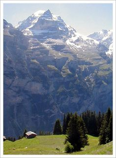 10 Attractive Travel Destinations - Berner Oberland, Switzerland