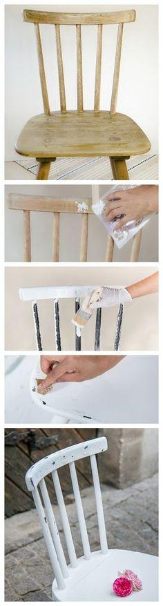 Shabby Chic Möbel selber machen. Aus einem langweiligen Stuhl einen weißen Stuhl im Used look machen - DIY Anleitung auf deutsch. Auf meinem Blog findet Ihr eine Menge weitere Schritt für Schritt Anleitungen um Möbel neu zu gestalten