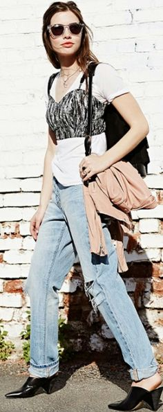 Anyone can wear a crop top. Bustier Outfit, Bustier Top, Ripped Boyfriend Jeans, Ripped Jeans, Taylor Tomasi, Layering Outfits, Bra Tops, Fashion Forward, Spring Fashion