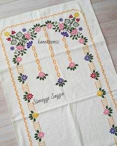 Diy Crafts Hacks, Diy And Crafts, Bargello, Hand Embroidery Designs, Cross Stitch Flowers, Baby Knitting Patterns, Cross Stitch Embroidery, Pallet Ideas, Tablecloths