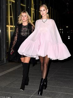 Fashion influencer Chiara Ferragni (pictured right) was joined by her sister Valentina Ferragni for the Giambattista Valli Haute Couture Spring Summer 2019 show Couture Fashion, Diy Fashion, Paris Fashion, Spring Fashion, Valentina Ferragni, Beautiful Outfits, Beautiful Clothes, Street Style, Dresses