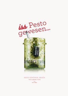 iss Pesto gewesen...   Pesto Genovese, frisch. Viani Alimentari, Italien. Basilikumpesto.  Dieses Pesto ist aus frischem Basilikum, Pinienkernen aus der Toskana und echtem Grana Padano handwerklich hergestellt. Antonio Viani hat das Rezept aus seiner ligurischen Heimat mitgebracht. Circa 30 Tage haltbar.