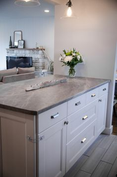 Countertop Comparison Chart | Recycled gl countertops, Gl ... on