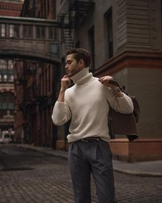 The best street style inspiration & more details that … – Men Styles Mens Turtleneck, Turtleneck Outfit, Men Sweater, Male Sweaters, Cardigan Sweaters, Cheap Sweaters, Sweater Jacket, Adam Gallagher, Look Fashion