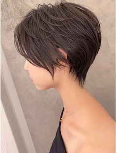 Short Hair Styles For Round Faces, Medium Hair Styles, Long Hair Styles, Longer Pixie Haircut, Haircut For Thick Hair, Medium Short Haircuts, Short Bob Hairstyles, Asian Short Hair, Short Hair Cuts