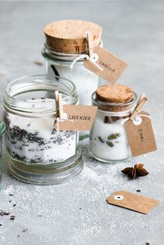 These sound delicious- I wonder what a spoonful of vanilla sugar would do to my morning coffee.: How To Make Infused Sugars: Chai, Vanilla + Lavender - Infused Sugar, Infused Oils, Meals In A Jar, Edible Gifts, Vanilla Sugar, Cupcakes, Spice Mixes, Sugar And Spice, Food Gifts