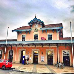 La jolie gare d'Arcachon #Arcachon #BassindArcachon #Gare #SNCF #Gironde #NouvelleAquitaine #IgersArcachon #France #Rail #TrainStation #Colors #Beautiful #Landscape #City #Mobility #Turism #February2017