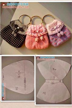 ART AVEC QUIANE - Paps, Moules, EVA, feutre, couture, Fofuchas 3D: pochette moule porte-clés