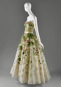 Christian Dior Spring 1953 Ball gown